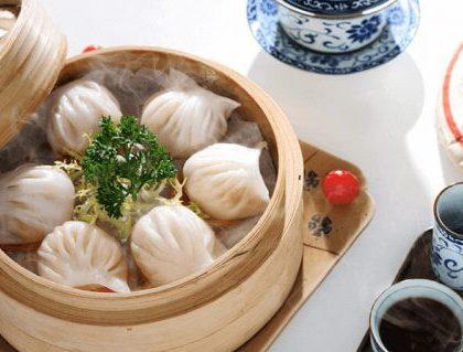 Dumplings - Platillo de masa hervida y horneada, rellena de distintos ingredientes.